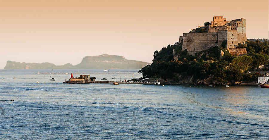 Risultati immagini per castello aragonese di baia